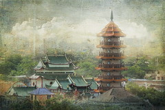 Chee Chin Khor Pagoda (ulli_p) Tags: city light sky urban art texture colors buildings thailand temple asia southeastasia colours bangkok textured likeapainting aworkofart flickraward texturedphoto earthasia awardtree artofimages exoticimage canoneoskissx5 cheechinkhorpagoda