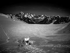 Ambiance Paradisiaque au Col du Midi (Frdric Fossard) Tags: panorama montagne alpes lumire altitude horizon glacier neige paysage chamonix alpinisme ambiance cime montblancdutacul clart hautesavoie sommet crevasses atmosphre corde luminosit massifdumontblanc hautemontagne coldumidi