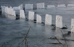 Weissensee, ijsblokken rond de steiger bij Kleine Steinwand (Andrea van Leerdam) Tags: winter austria oostenrijk weissensee ijs natuurijs kleinesteinwand