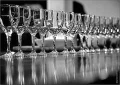 QZ 246 (cadayf) Tags: bw reflection glass dof wine 33 nb reflet vin tasting chteau dgustation transparence verre atelier gironde pcle hautbourcier