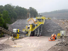 Redi-Rock_limestone-reinforced-commercial-BellConcrete-RogersGroupQuarry9 (redirockphotodatabase) Tags: limestone retainingwall redirock commercialapplications reinforcedwall bellconcrete tennesseeretainingwalls knoxvilleretainingwalls retainingwallsknoxville rogersgrouprockquarry