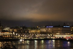 Fall into the light (Queen_A.) Tags: city bridge architecture night landscape lights view sweden stockholm royal palace sverige scandinavia sude