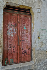 """graffiti_eingangstuer • <a style=""""font-size:0.8em;"""" href=""""http://www.flickr.com/photos/137809870@N02/25422130225/"""" target=""""_blank"""">View on Flickr</a>"""
