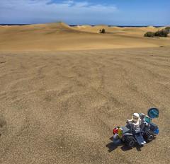 (farioli.alessandro) Tags: lego rover astronaut spaceman minifig minifigs minifigure afol minifigures legoart legoclassicspace afdl neoclassicspace legophotography spacerover logohumor