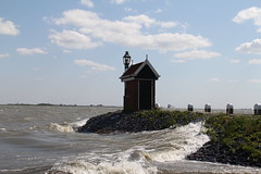 havenhoofd Volendam, Netherlands (C. Bien) Tags: lighthouse haven history water netherlands harbour nederland vuurtoren volendam noordholland historie geschiedenis northholland gouwzee lighthousevolendam vuurtorenvolendam