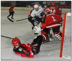 Hockey Hielo - 06 (Jose Juan Gurrutxaga) Tags: ice hockey hielo jaca playoff txuri urdin txuriurdin izotz file:md5sum=5a6d38232412afae432e9a0883ed3bd8 file:sha1sig=381746c0db3b63b4486afbf1686df869f1ac5476