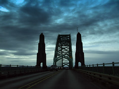 Pacific Northwest2015-32 (Felson.) Tags: street trip travel bridge sky usa holiday car clouds oregon drive strada honeymoon nuvole driving ponte journey cielo pacificnorthwest pnw viaggio vacanza cascadia