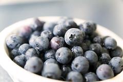 Heidelbeeren (OnkelKrischan) Tags: kche schssel obst schale vitamine gesund heidelbeeren