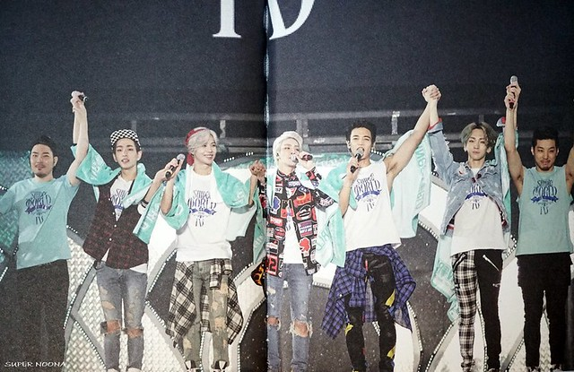 160421 SHINee @ Photobook SHINee World Concert IV 26431743320_8e20fa63c4_z