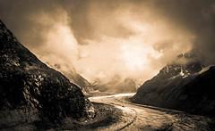 Accalmie d'Antan (Frdric Fossard) Tags: alpes lumire grain glacier ciel nuage rocher moraine spia merdeglace hautesavoie pierrier massifdumontblanc flancdemontagne