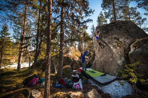 Enter the wu (6c+) at Rian, Sweden