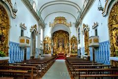 Interior da igreja de Santa Marinha (vmribeiro.net) Tags: santa portugal church nova bandeira geotagged interior sony vila porto igreja inside tamron gaia marinha prt a350 geo:lat=4113621229 geo:lon=861491740