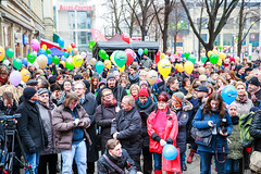 Zuschauer der Hauptbühne am Alten Markt bei der 8. Meile der Demokratie 2016