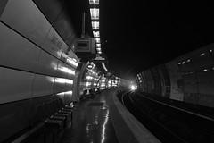 Saint-Michel Notre-Dame (ligne B) (ridenpydam) Tags: paris rer rerb voieferre stationrer