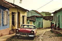 Trinidad 201502900 (t3mujin) Tags: uploadedviaflickrqcom trinidad sanctispiritus cuba america architecture building car caribbean centralamerica color old road street theme transportation village fav10