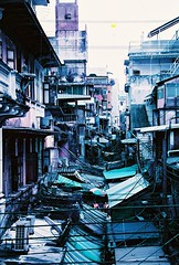 Wish I Could Fly (*Julius*) Tags: old city film 35mm town lomography asia bangkok capital 135 southeast c41 colornegative krungthep yaowarad purplechrome