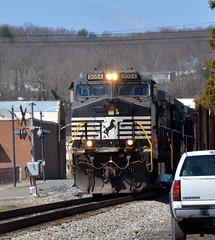2-HeadedThruPulaski (T's PL) Tags: railroad train virginia nikon outdoor va locomotive tamron nikondslr pulaskiva d7000 tamron18270 nikontamron nikond7000 nslocomotive tamron18270mmf3563diiivcpzd nslocomotive9054