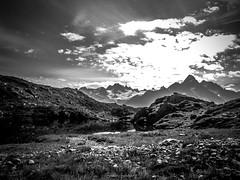 Matin aux Lacs des Chserys (Frdric Fossard) Tags: alpes soleil lumire pierre lac ciel contraste nuage rocher contrejour calme matin clart hautesavoie aiguillesrouges luminosit
