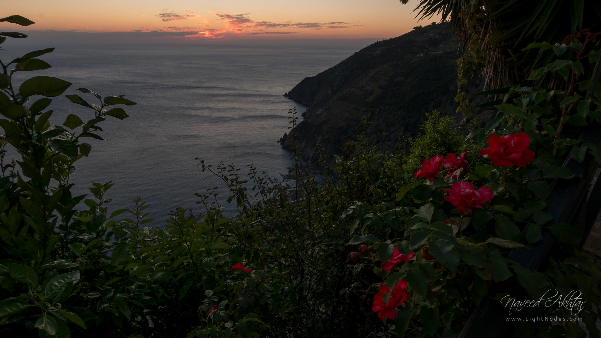 Sunset over Tyrhanian sea near Riomaggiore in Riomaggiore, Liguria with Panasonic DMC-GX7