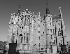 Astorga (anpisa) Tags: espaa leon gaudi caminodesantiago pais caminofrances astorga palacioepiscopal paises nacin naciones castillaleon