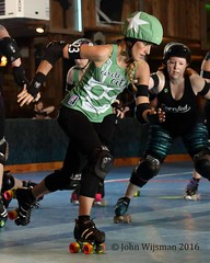 111__33450 (John Wijsman) Tags: rollerderby rollergirls indiana muncie skates partycrashers circlecityderbygirls cornfedderbydames gibsonskatingarena munciemissfits