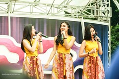IMG_6648 (Andreas Kurniawan) Tags: music beautiful television canon indonesia live stage chibi performance pop 6d cherrybelle twibi twiboys