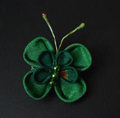 clover bobypin set 04 (2) (Bright Wish Kanzashi) Tags: handmade silk hairornament kimonosilk tsumamikanzashi japanesetechnique tsumamizaiku