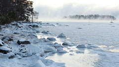 Sea smoke in a winter morning at -22°C (Kallahti, Helsinki, 20160106) (RainoL) Tags: winter cold finland geotagged helsinki january balticsea helsingfors fin seasmoke vuosaari 2016 uusimaa nyland kallahti kallahdenniemi frostsmoke kuningatar kallvik steamfog 201601 drottningen nordsjö kallviksudden merisavu 20160106 geo:lat=6018421028 geo:lon=2515032870