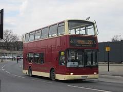 East Yorkshire 652 X508EGK Hull Interchange on 221 (1280x960) (dearingbuspix) Tags: eastyorkshire 652 eyms x508egk