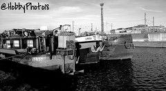 Side by side (hobbyphoto18) Tags: blackandwhite bw france water boat eau noiretblanc pentax houseboat nb bateau blacknwhite pniche sidebyside nordpasdecalais dunkerque k50 pentaxk50