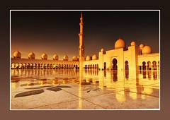 Sheikh Zayed Grand Mosque (Dave-Mcclean 67) Tags: reflections golden grand mosque abu dhabi sheikh