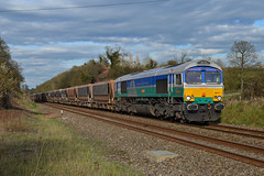 66711 at Wapley on 13th April 16' (LusitaniaD225) Tags: sence class66 aggregateindustries gbrf 66711 wapley gwml 6v79 gbrfclass66 wapleysidings aggregateindustrieslivery bluegreenlivery