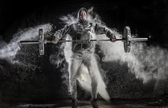Crossfitero realizando snatch entre nube de magnesio (noor.khan.alam) Tags: spain espalda deporte fitness gym gimnasio olimpiadas tatuaje atletismo powerlifting msculos pesas olmpico fuerza culturismo sentidas crossfit halterofilia