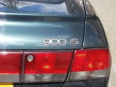 Saab 900 2.0i cabrio 1997 (a.k.a. Ardy) Tags: detail badge softtop rsjl21