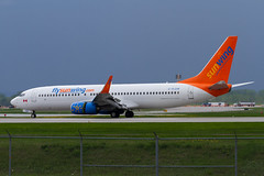 A0036_013 (Vince Amato Photography) Tags: canada quebec montreal commercial boeing saintlaurent sunwing b737800 b738 cyul trudeauinternationalairport cflsw