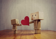 Donner son coeur... (Lady's Blog) Tags: love dan heart coeur amour danbo danboard nicoleligney sixmoisentredeuxrives ditionslarmanence