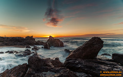 DSC01281.jpg (avi_olmus) Tags: mar agua playa paisaje arena amanecer nubes invierno olas roca filtros montgat p1991 cokinnd4 raymasternd8soft