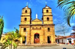 Iglesia San Joaqun (Buenouve ) Tags: blue sky church weather azul nikon san colombia iglesia chiesa joaquin cielo glise hdr santander sanjoaquin tiempo clima zapatoca