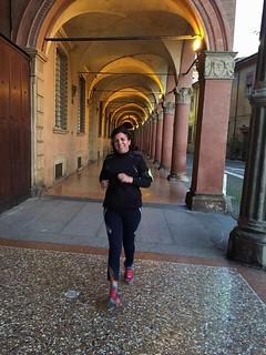 """""""A Bologna per lavoro, ore 9...e quando ancora la città dorme...me la godo!!"""" - Loredana Cinti-"""