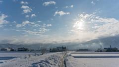 "In the ""2016 Asahi of February 7,""In Toyama Prefecture Nanto somewhere in Japan (daitikaworu) Tags: wood winter sky cloud sun mountain snow japan sunrise landscape sony  snowfield toyama        morningsun   snowmountain nanto inami     nex6"