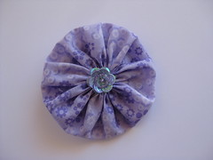 46/365 (ONE by one) Tags: flower handmade brooch lilac fuxico yoyo brooches 2016 onebyone