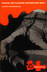 Elsevier Pocket E 99 ~ The Price of Murder ~ 1962 (uk vintage) Tags: dutch johndmacdonald photocover thepriceofmurder elsevierpocket elsevierpockets dodegetuigensprekenniet