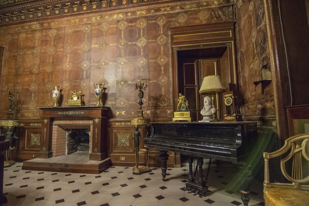 ... palermo soffitto cuoio lampadari arredi palazzoalliatavillafranca