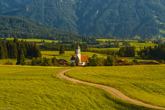 Kirche St. Moritz in Zell (allgaeubilder) Tags: panorama bayern deutschland kirche berge alpen landschaft tourismus zell gebirge stmoritz allgu eisenberg tegelberg suling ostallgu knigswinkel schlossbergalm