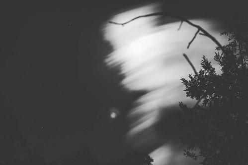 Chasing the moon... #basaseachi #cabañaselrincon #blancoynegro #blackandwhite #moon #themoon #laluna #luna #placestogo #placestovisit #amazingplaces