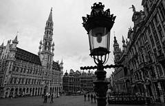 Brussels (Jan Kranendonk) Tags: plaza city brussels buildings square town europe belgium cityhall markt brussel grotemarkt