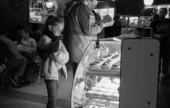 untitled (shudaizi) Tags: nyc newyorkcity blackandwhite usa newyork film lens kid chinatown places developer northamerica hp5 xtol leicasummicron35mmf20asph