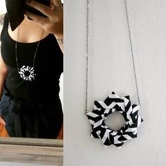 .: colar :. (o santo bolinho / . : dona joana : .) Tags: origami colar tecido acessorio