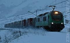 Al rico carbon...... (alberto vtr) Tags: winter en snow de tren trenes puerto la nikon diesel nieve leon locomotive dual carbon gijon caf pajares linea locomotora espaol ferrocarril electrica 601 carbonero villamanin mercancias busdongo tercia comsa bitrac d5300 golpejar