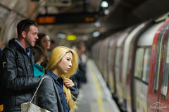 Decisions. (Jordi Corbilla Photography) Tags: london underground nikon tube streetphotography 85mm streetphoto f18 d7000 jordicorbilla jordicorbillaphotography